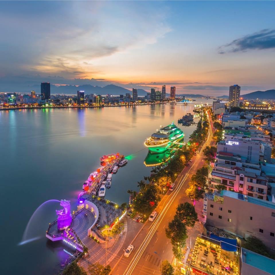 Sông Hàn là một con sông nằm ở Thành phố Đà Nẵng. Wikipedia